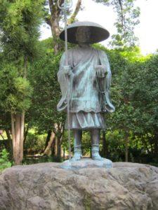 弘法大師の像